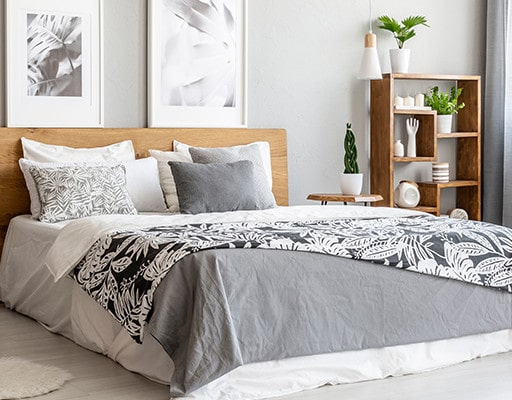 Identify the most suitable use of Dohar and Comforter with Spaces