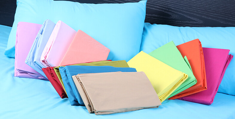 Confused Between Cotton and Polyester bed sheets? Here's everything you need to know about them