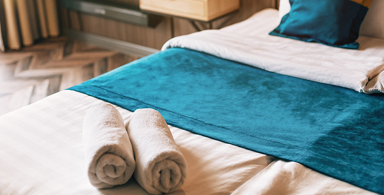 Love Sleeping on Neatly Arranged Hotel Beds? Here's How You Can Get That Effect AT Home!